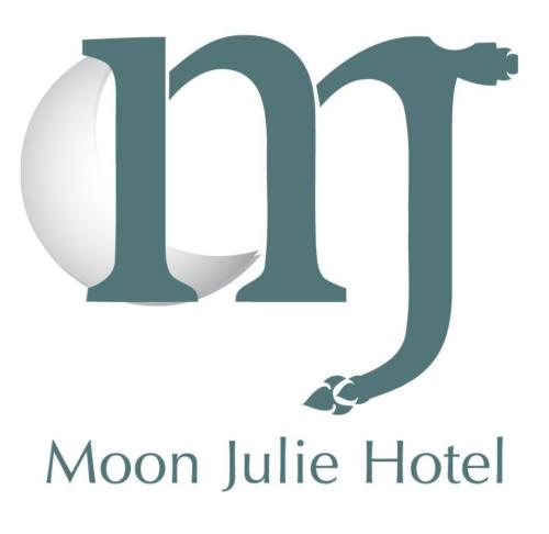 Moon Julie Hotel